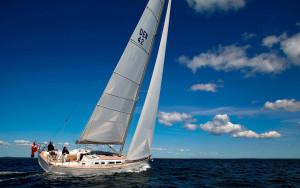 cruising-sailboat-teak-deck-20312-4993685